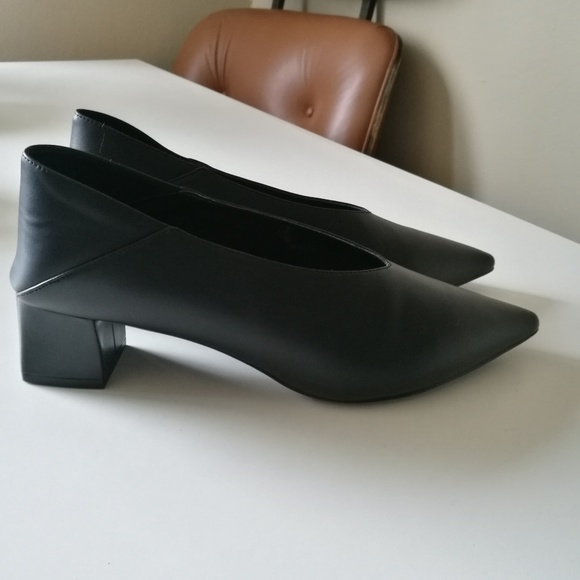 efe16ee2a84 Charles   Keith Shoes - Charles   Keith v-cut point block heel